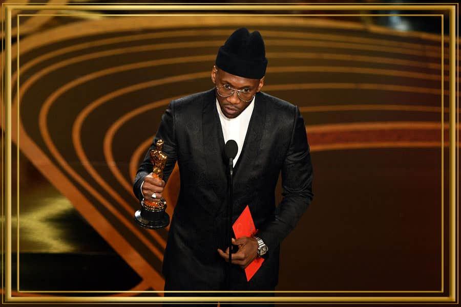 Mahershala Ali – Wears Metallic Silver Pilots at Oscars 2019