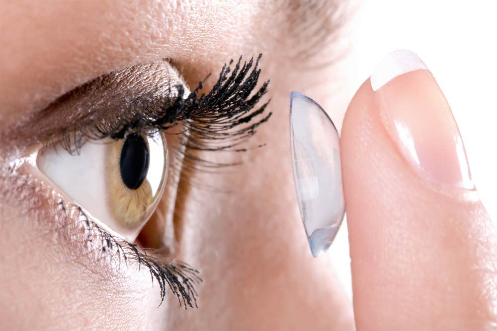Wear Contact Lens