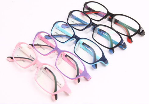 Colors of TR90 frames
