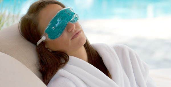 Try Hot or Cold Compresses on Eyes